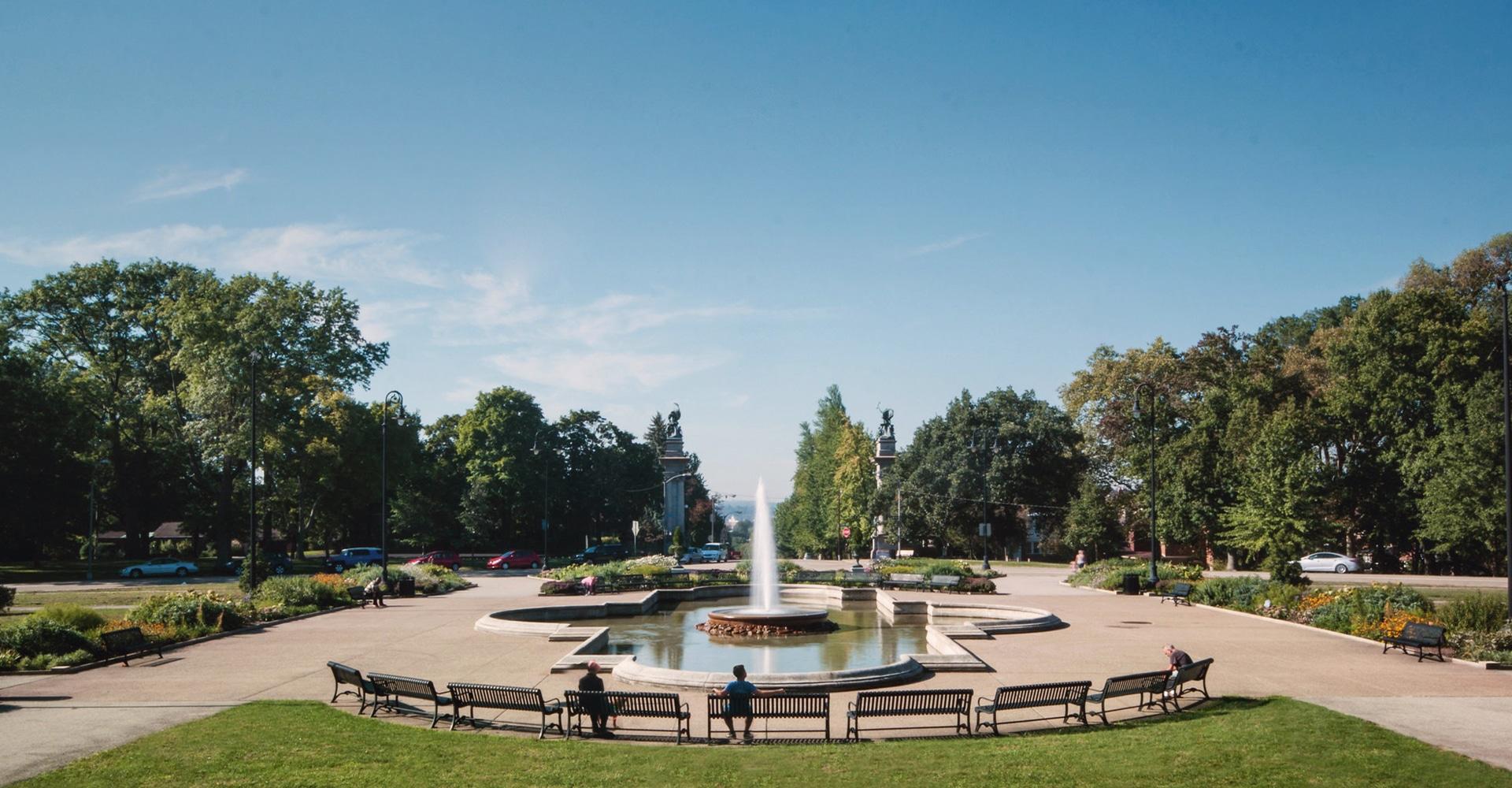 Highland Park entrance and fountain