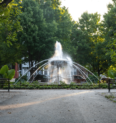 Allegheny Commons Park fountain and benches