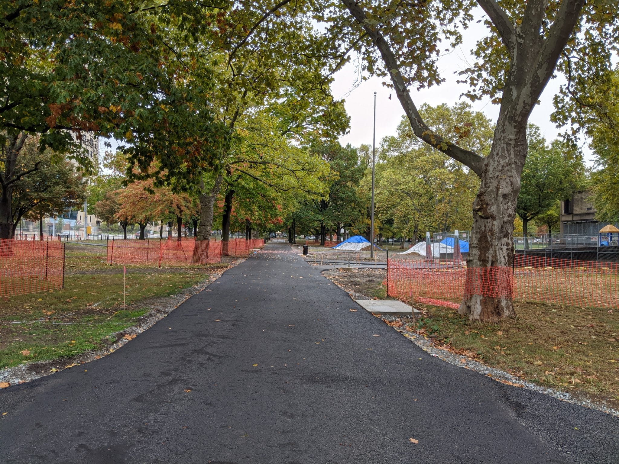 An image of the North Promenade pathway in Allegheny Commons Park.