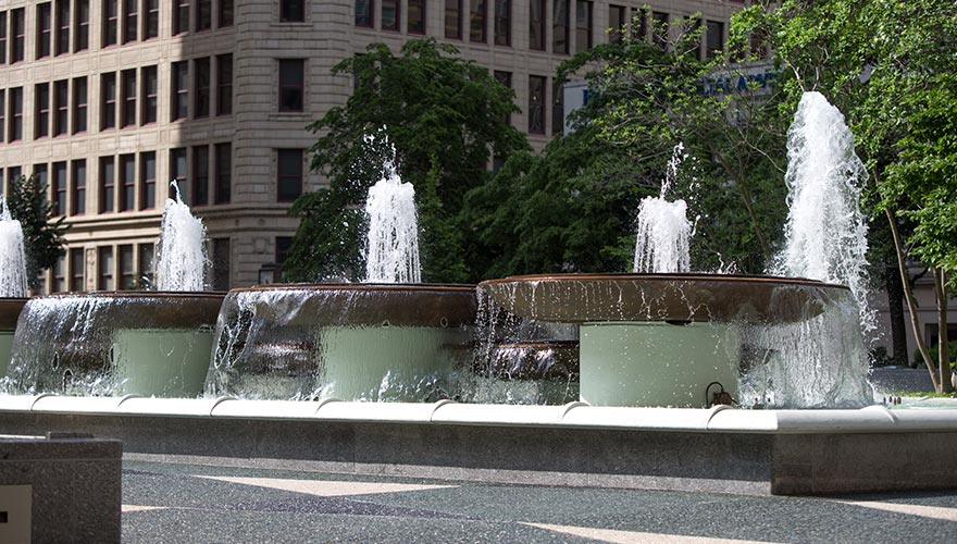 Mellon Square Park fountains
