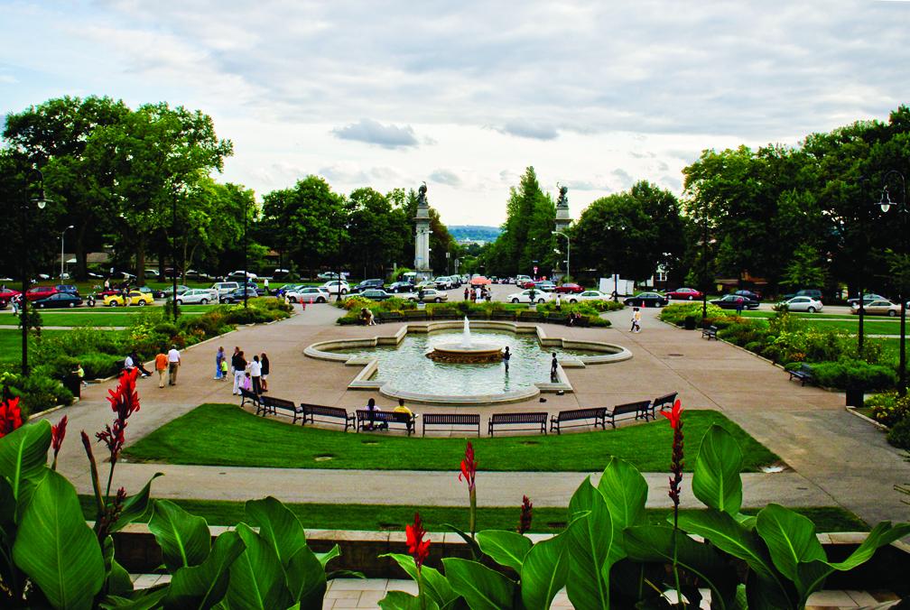 Highland Park entry garden